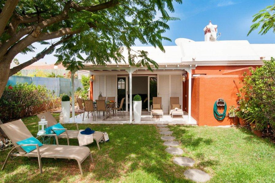 Cottage in Spain, Campo Internacional