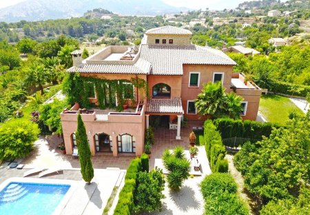 Villa in Finestrat, Spain