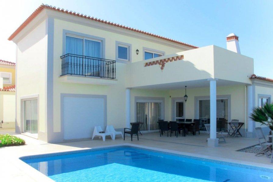 Owners abroad Praia d'el Rey (OBI133)