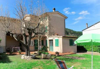 4 bedroom Villa for rent in Capannori