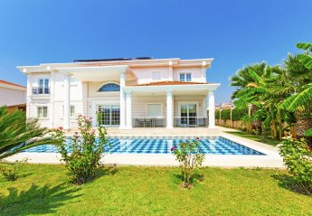 4 bedroom Villa for rent in Serik