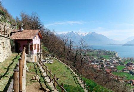 Villa in Stazzona, Italy