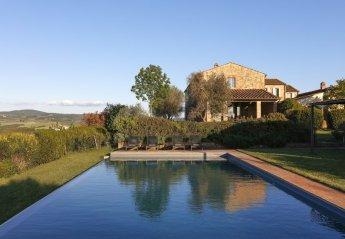 9 bedroom Villa for rent in Asciano