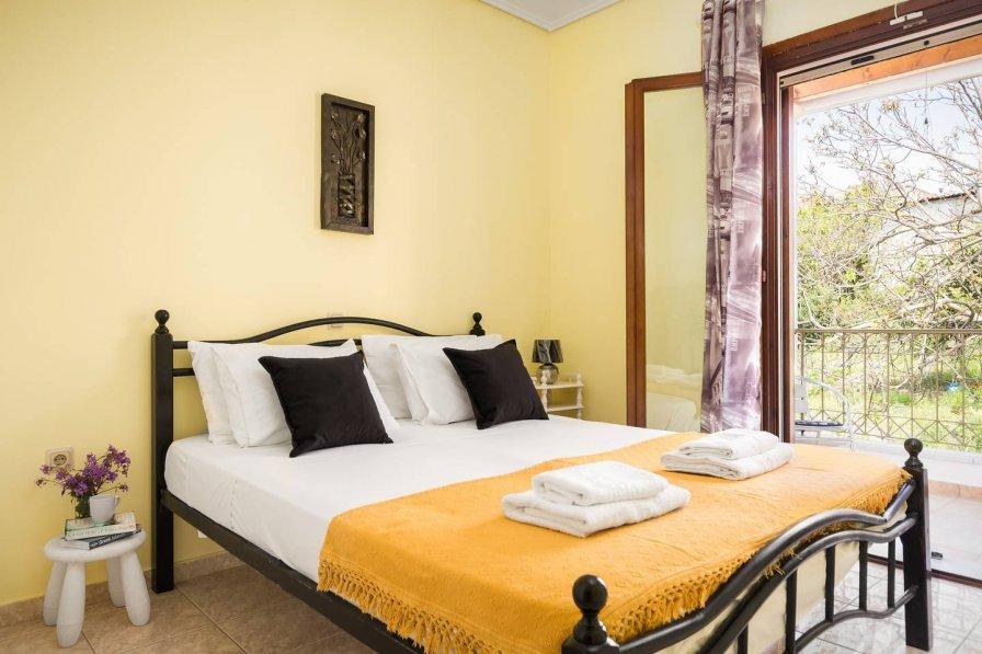 Joseph deluxe apartment near Corfu Town III