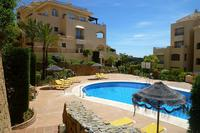 Apartment in Spain, Elviria: Massive pool area in sun trap location