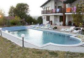 Villa in Bulgaria, Kitka: Villa & pool