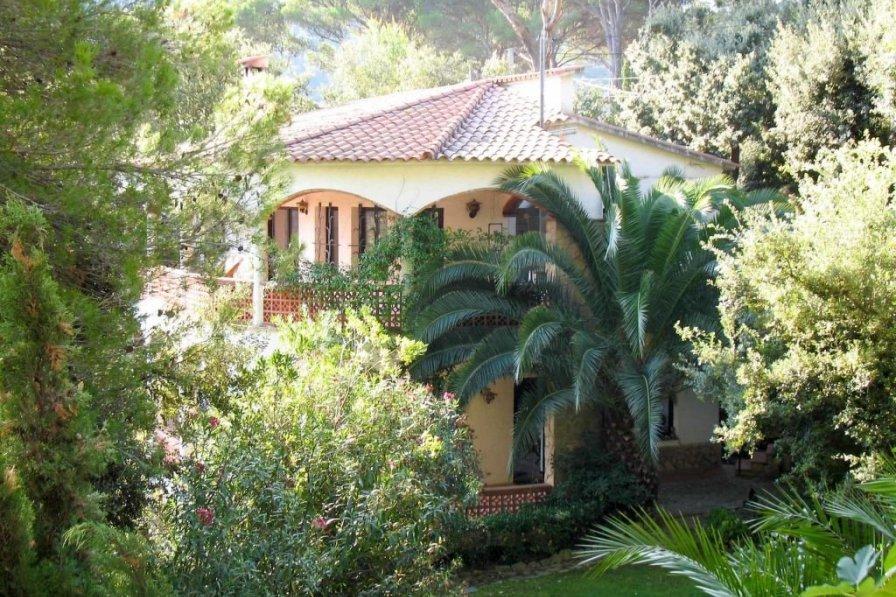 House in Spain, Urbanització Mas Mato