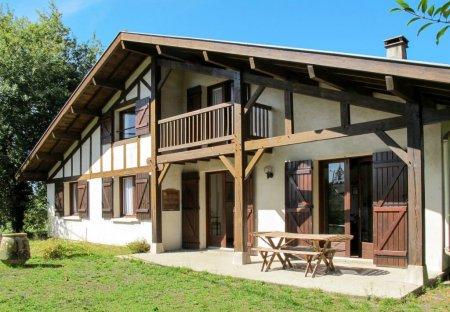 Villa in Uza, France
