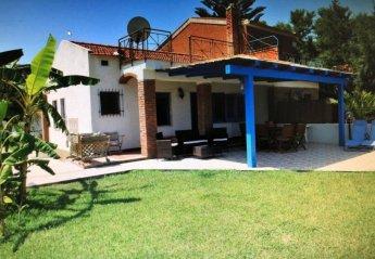 2 bedroom Villa for rent in Palermo