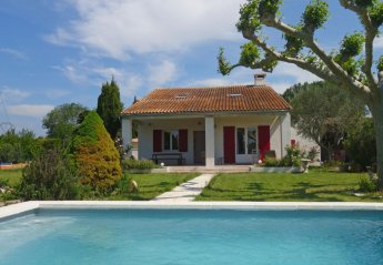 4 bedroom Villa for rent in Velleron