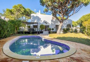 4 bedroom Villa for rent in Vale do Garrao