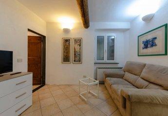 2 bedroom Apartment for rent in Genoa