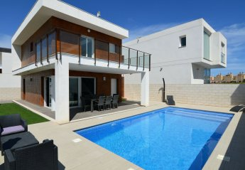 4 bedroom Villa for rent in Santa Pola