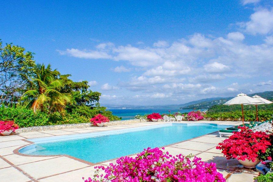Owners abroad Villa Latoria