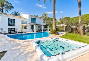 7 bedroom Villa for rent in Las Brisas Club