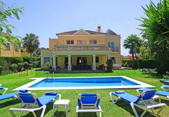 5 bedroom Villa for rent in Estepona