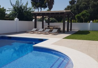 4 bedroom Villa for rent in Estepona