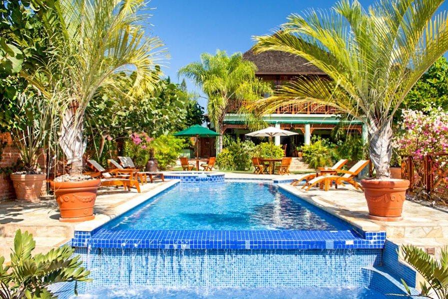 Owners abroad Villa Garvey