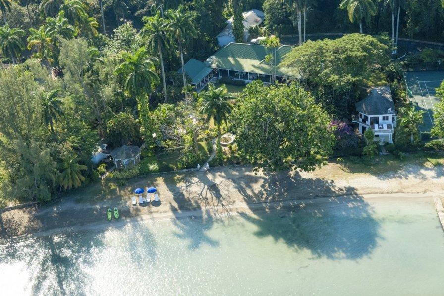 Owners abroad Villa Jamrock