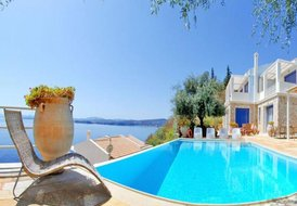 3 villas complex in Corfu