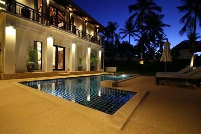 Villa in Thailand, Bangrak: Outdoor dusk