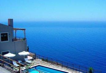 Villa in Greece, Rodakino: Picture 1