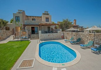 Villa in Greece, Stavromenos