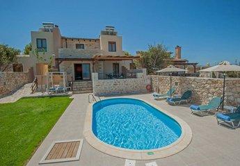 Villa in Greece, Stavromenos