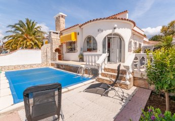 2 bedroom Villa for rent in Empuriabrava