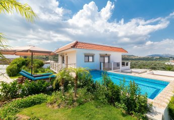 3 bedroom Apartment for rent in Kolymbia