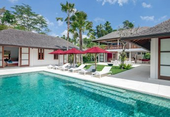 5 bedroom Villa for rent in Seminyak