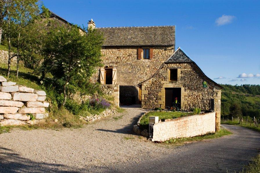 Cottage in France, Mouret