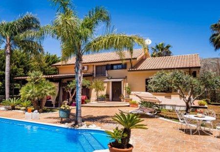 Villa in Partinico, Sicily