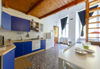 4 bedroom Apartment for rent in Genoa