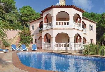 6 bedroom Villa for rent in Serra Brava