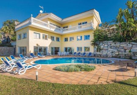 Villa in Canyelles (Tossa de Mar), Spain