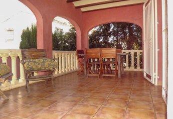 4 bedroom Villa for rent in Oliva