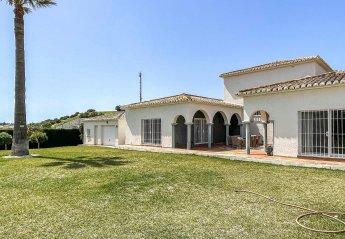 6 bedroom Villa for rent in Mijas