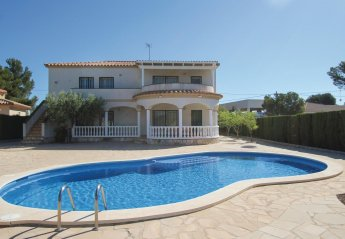 6 bedroom Villa for rent in Tres Calas