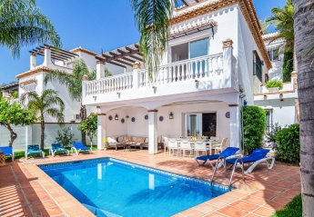 4 bedroom Villa for rent in Almunecar