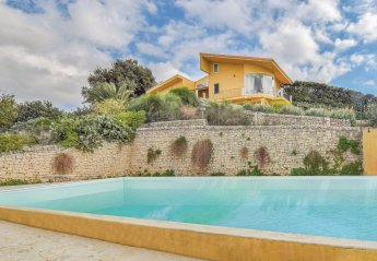 6 bedroom Villa for rent in Modica