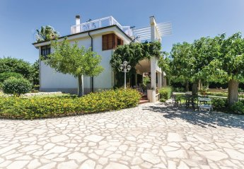 2 bedroom Villa for rent in Marina di Ragusa