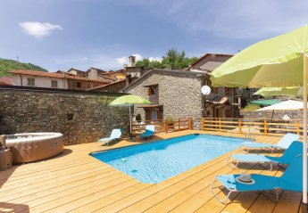 5 bedroom Villa for rent in Fivizzano