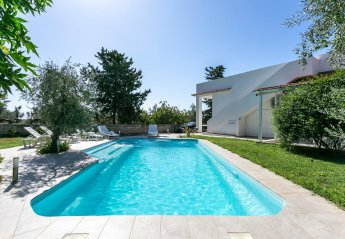 4 bedroom Villa for rent in Santa Croce Camerina
