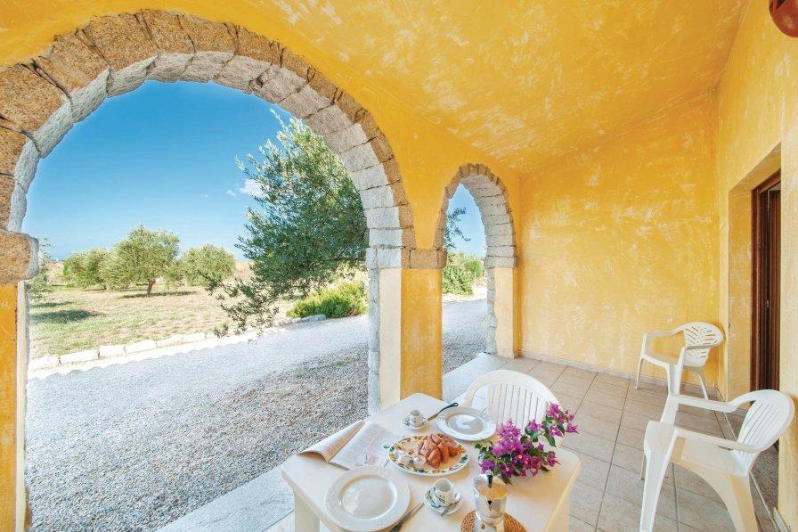 Villa in Italy, Badesi
