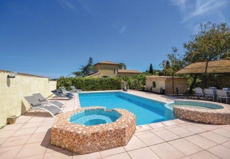 Villa in Peripherie 2, France