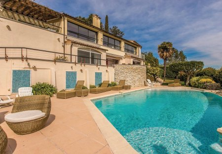 Villa in Le Roc Fleuri-Capitou (Jeanne d'Arc), the South of France