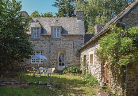 Villa in Pléhédel, France