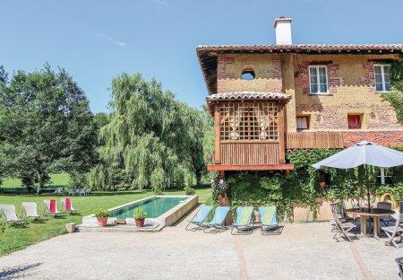 Villa in Saint-Paul-de-Varax, France