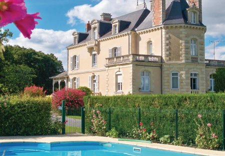 Villa in Jarzé Villages, France
